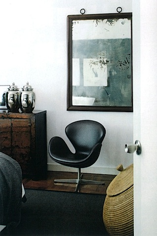 swan chair elle decoration uk november 2009.jpg