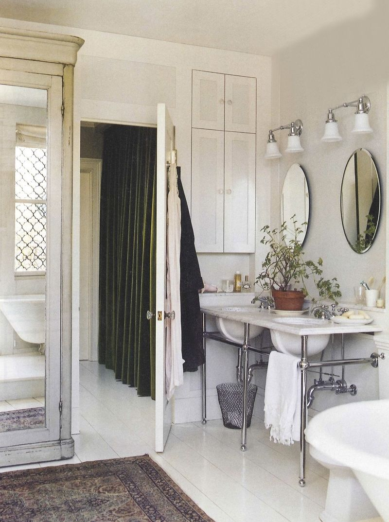 Domino june:july bathroom english country