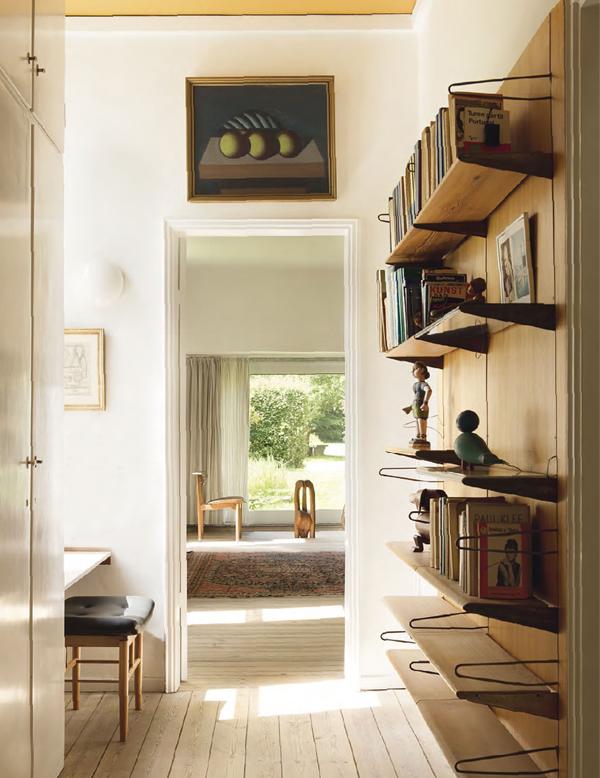 Midcentury-bookshelf