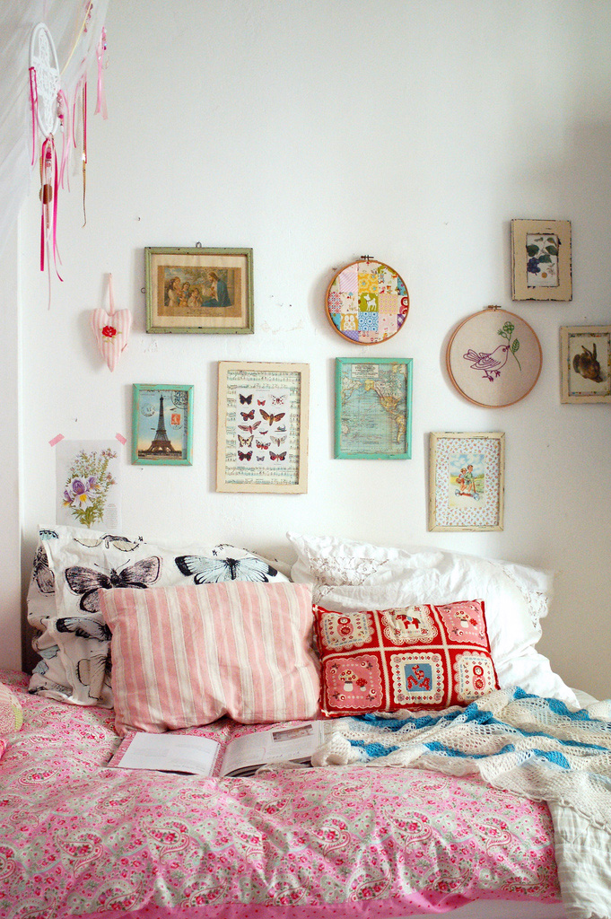 Etsy is my kryptonite retro eclectic decor anne sage for Quirky bedroom items