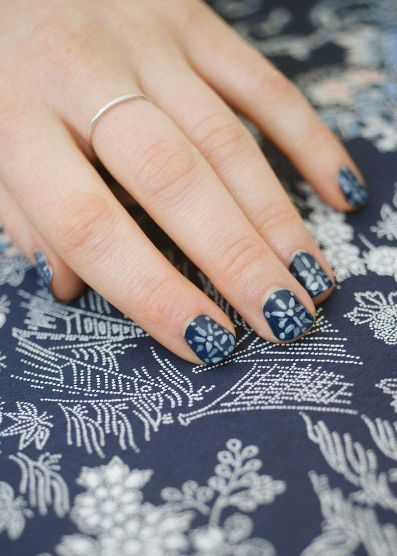 Shibori inspired nail-art