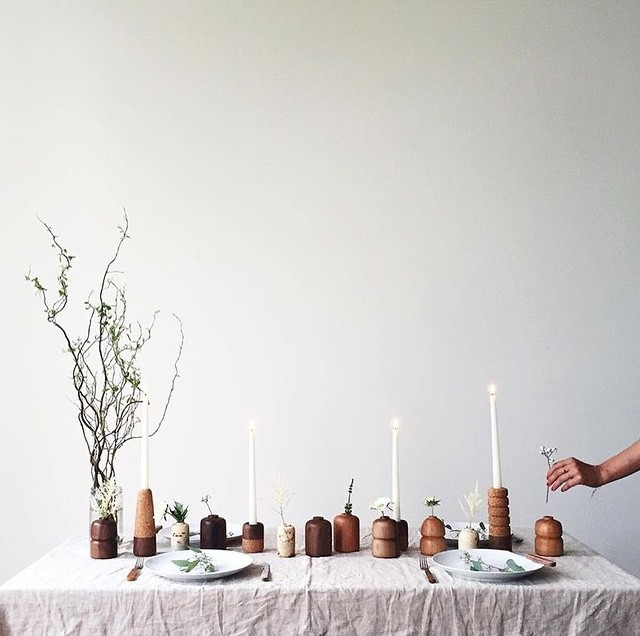 Earth minimalist table setting