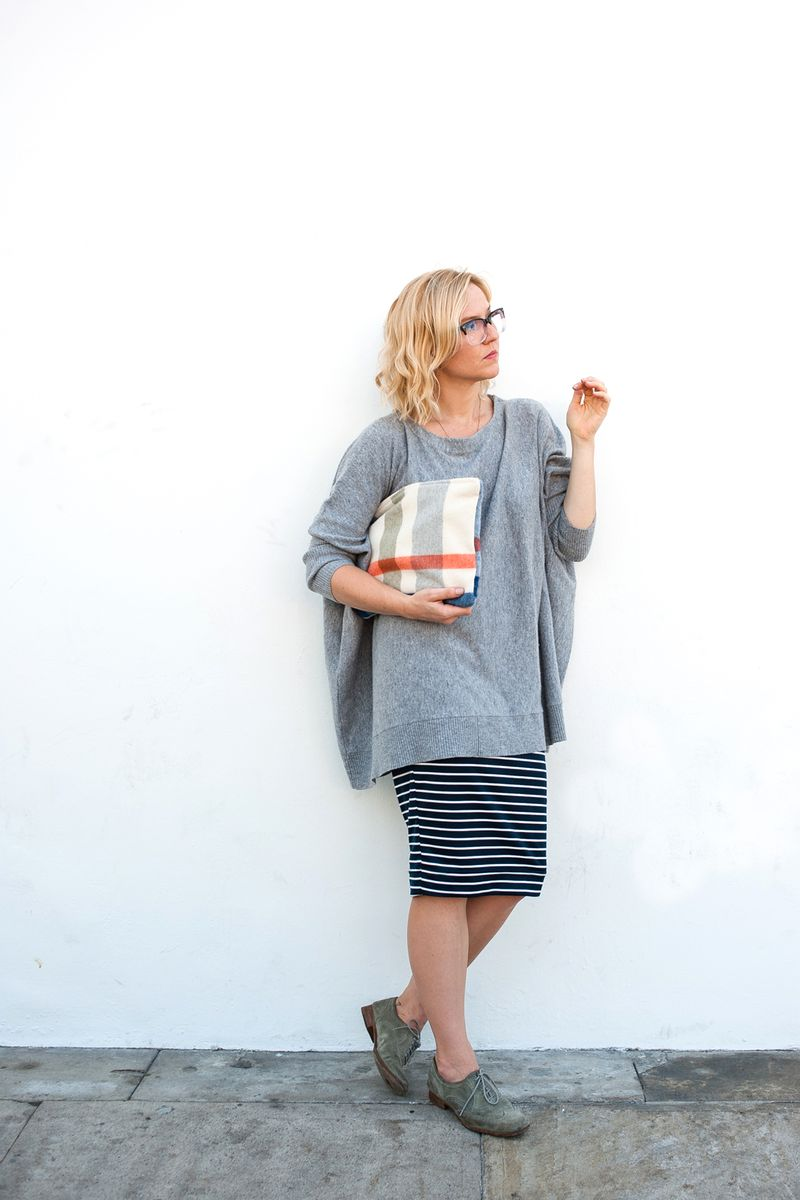 Oversized sweater + midi skirt