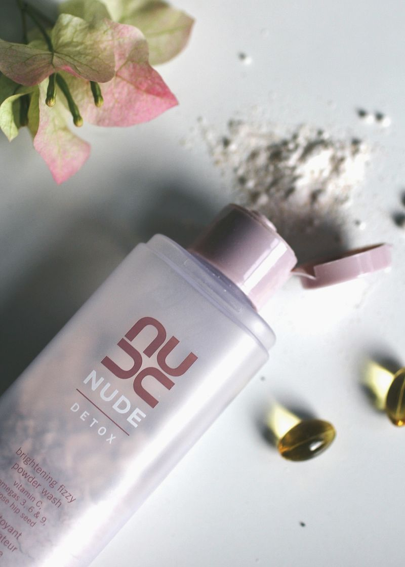 Nude skincare fizzy face wash